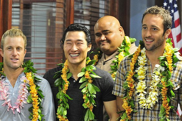 Hawaii Five-0 Cast on the first Day of filming.